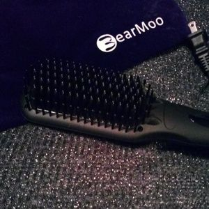 BearMoo Ceramic Hairbrush Streightener